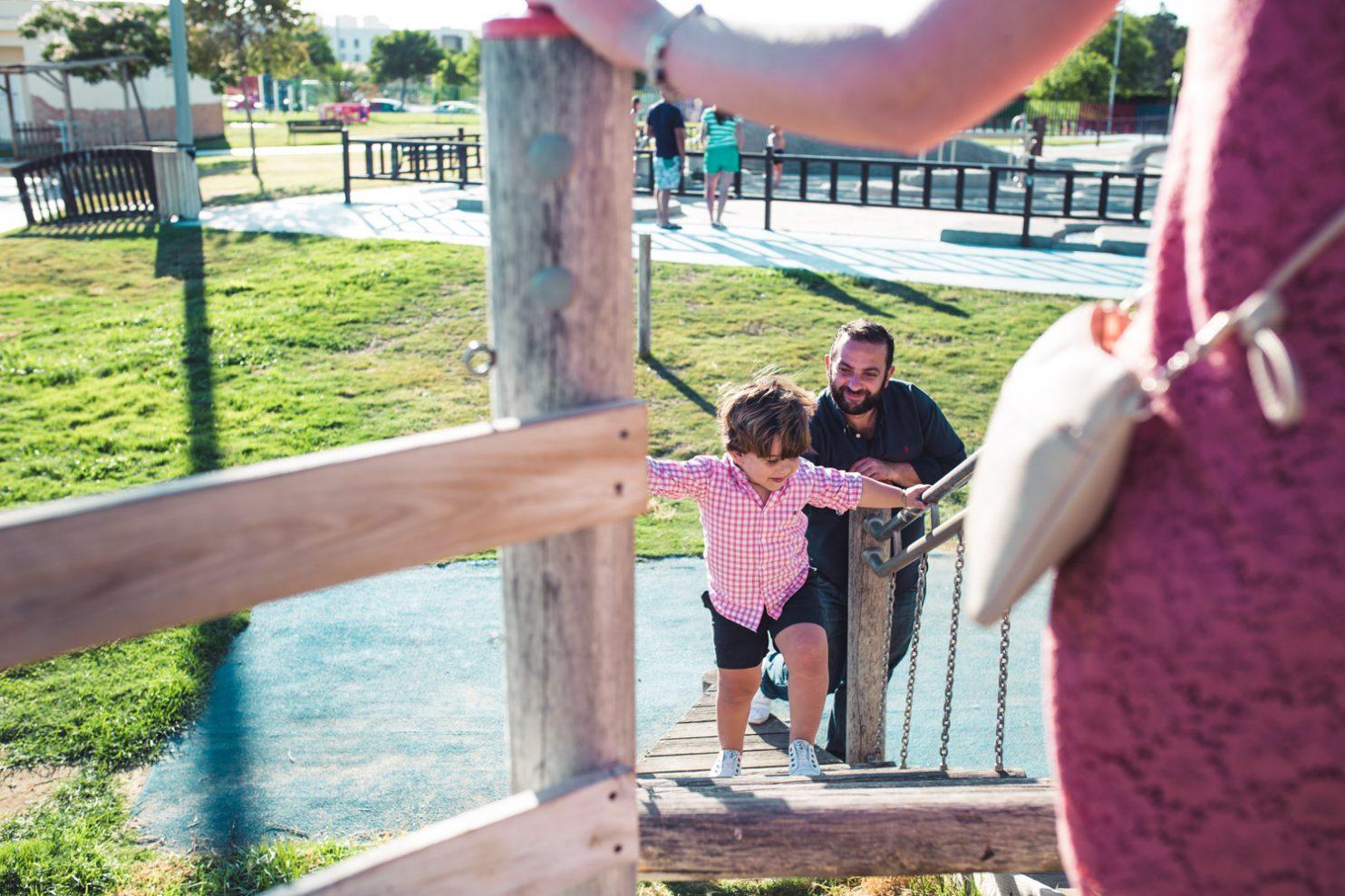 Fotografía de niños jugando en un parque infantil en jerez de la Frontera
